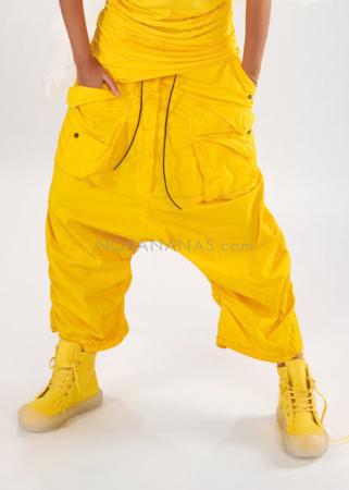 RUNDHOLZ DIP, Hose mit geknöpften Taschen und Lederkordel 1212600101