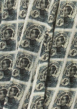 RUNDHOLZ, Baumwoll-Kleid mit Briefmarken-Print in Lagen-Optik 1201250908