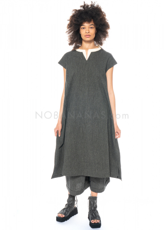 Moyuru, Kleid mit doppeltem Schlitzkragen 211623