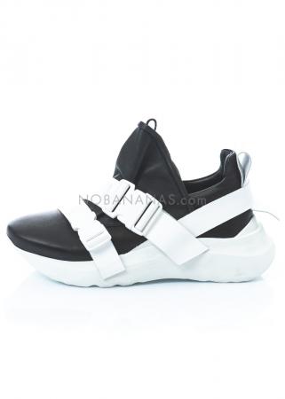 PURO, Sneaker Activity