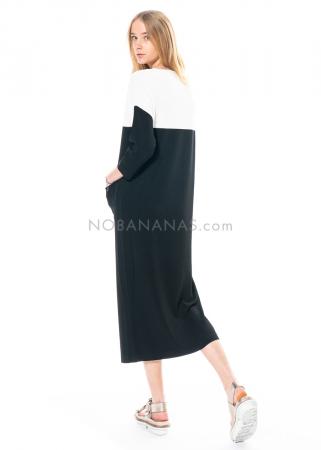 annette görtz, two coloured knit dress Area 1