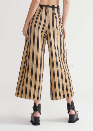 SYMETRIA, cropped and casual cut pants