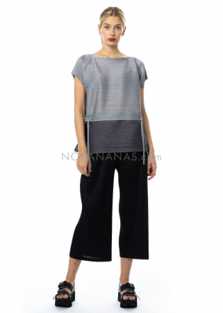 PLEATS PLEASE ISSEY MIYAKE, locker geschnittene Hose in Schwarz