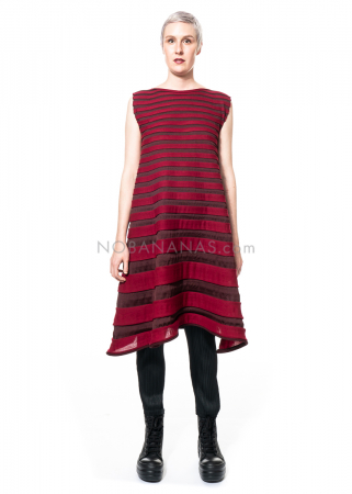 PLEATS PLEASE ISSEY MIYAKE, ärmelloses Strickkleid aus Wollmix in Bordeaux